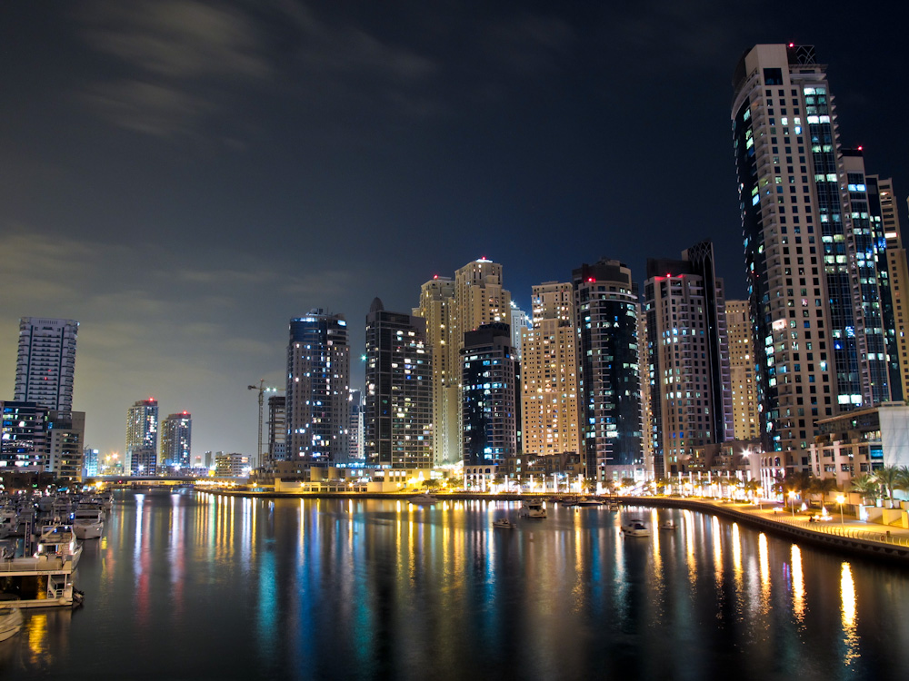 dubai-marina-cold-night